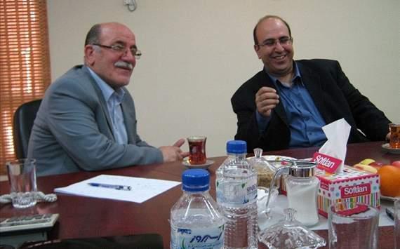 دهكردي مدير عامل باشگاه فولاد خوزستان (سمت چپ)