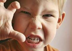 چگونه عصبانیت کودکمان را کنترل کنیم؟