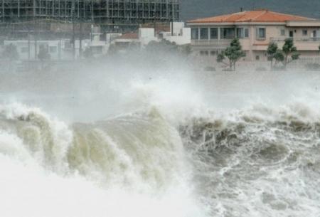 توفان در ژاپن 23 کشته برجا گذاشت