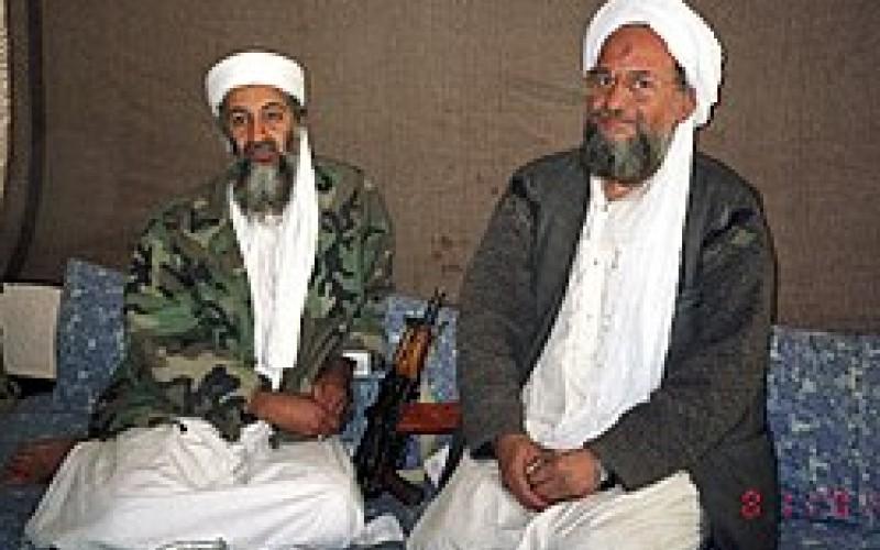 ایمن الظواهری رهبر فعلی القاعده در کنار اسامه بن لادن بنیانگذار و رهبر سابق این گروه تروریستی