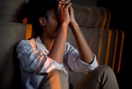 ۵ نشانه ظاهری اضطراب بیمارگونه در افراد