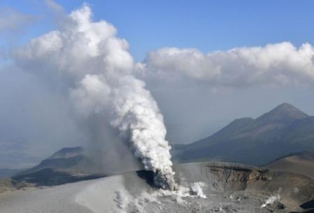 آتشفشان شینمو دوباره فعال شد