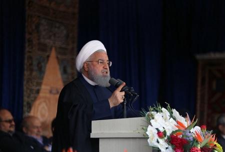 حضور روحانی در ورزشگاه تبریز/تصاویر