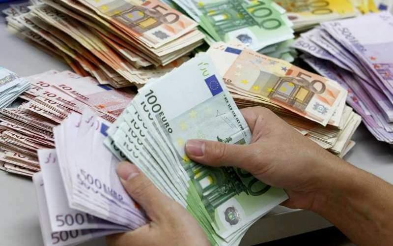 نرخ ارز در بازار آزاد چگونه تعیین میشود؟