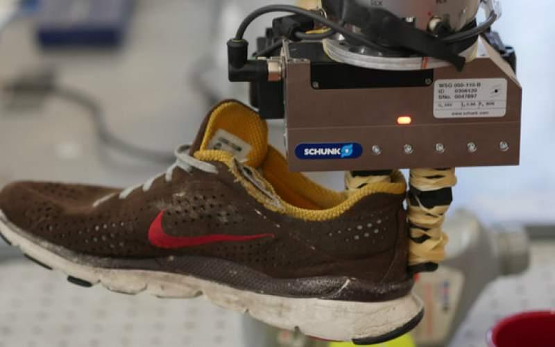 رباتی که میتواند اشیاء را تشخیص دهد
