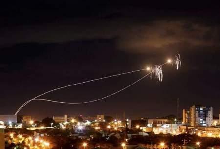 رهگیری راکتها توسط سیستم دفاع ضد موشکی اسرائیل (گنبد آهنین)عکس از رویترز