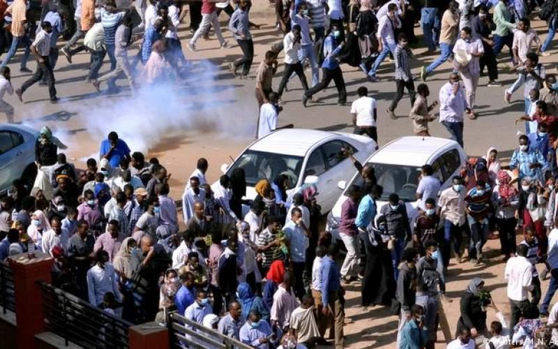 دیکتاتور سودان دهها معترض را به قتل رساند