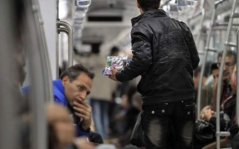 دستفروشان مدیران مترو را برکنار میکنند!