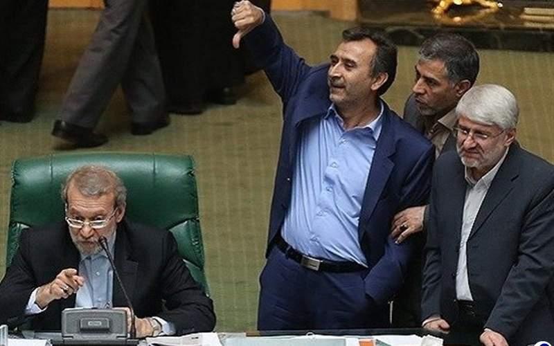 محمد دهقان که امروز به عنوان عضو حقوقدان شورای نگهبان انتخاب و از نمایندگی مجلس استعفا داد