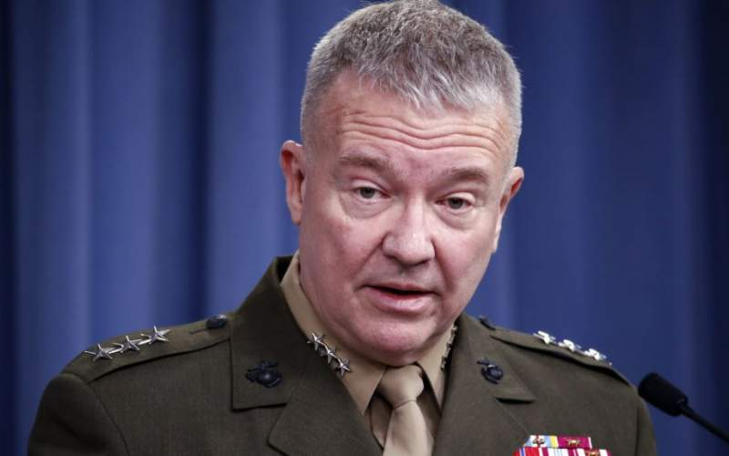 ژنرال مککنزی، فرمانده ارشد ارتش آمریکا