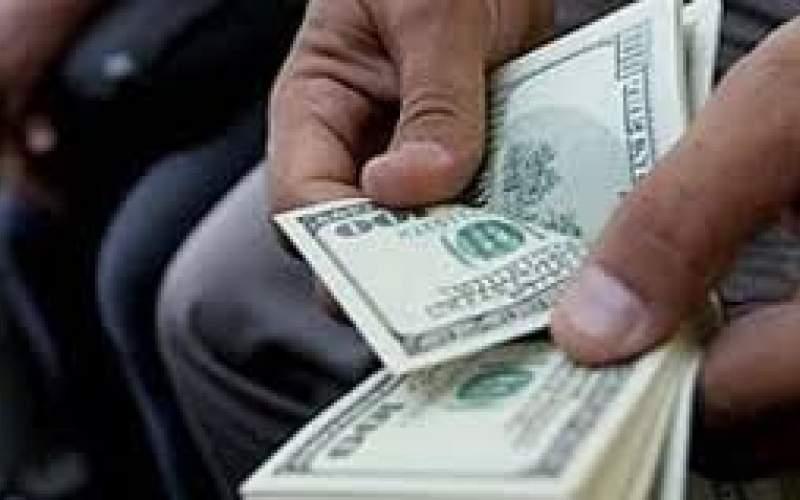 نرخ دلار در آستانه ورود به کانال ۱۲هزار تومان