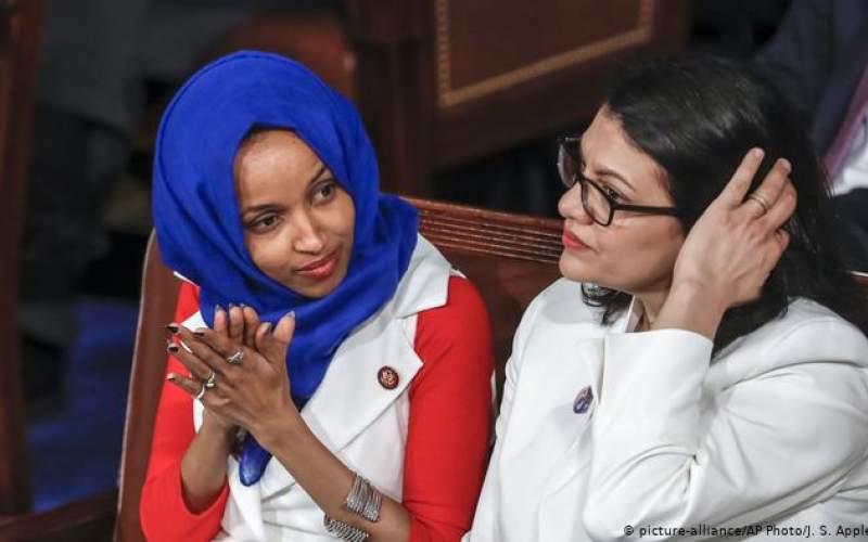 الهان عمر با اصالت سومالیایی (چپ) و رشیده طلیب با اصالت فلسطینی، دو نماینده دموکرات کنگره آمریکا
