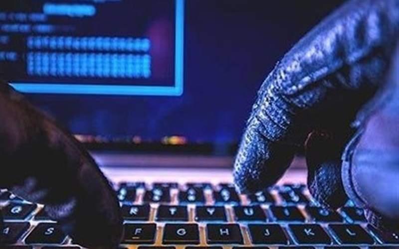 رضا رشیدپور و خبرنگاری که از هک حسابهای بانکی خبر داده بودند، احضار شدند!