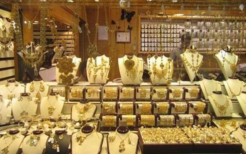 طلاهای خزانه در اختیار تولیدکنندگان قرار گیرد