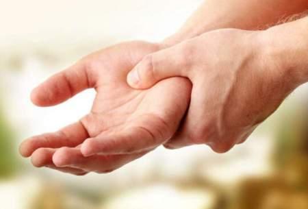 علت لرزش دست چیست؟