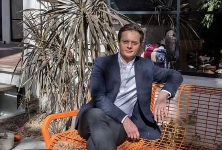 جوان لهستانی که در بورس تهران پول پارو میکند