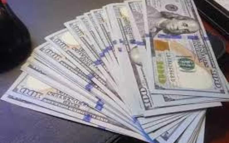 دلار از مرز ۱۵ هزار تومانی عبور کرد