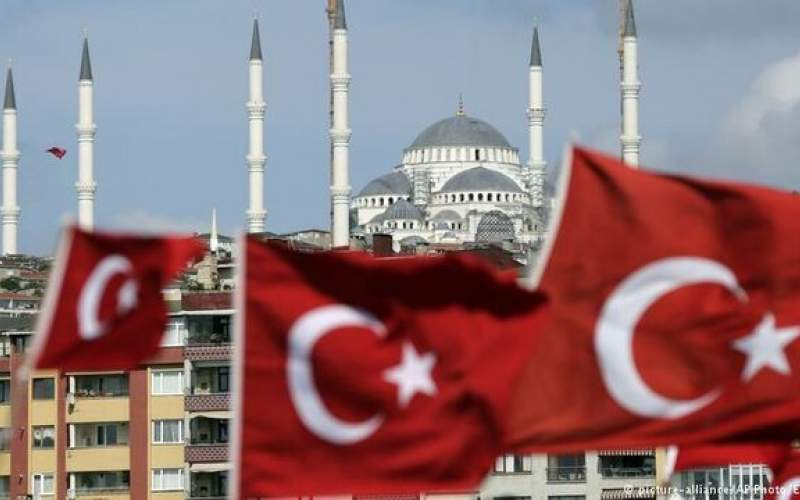 آذربایجان و ترکیه مزرهایشان با ایران را بستند