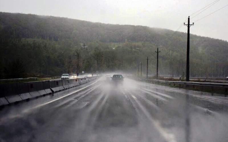 جادههای کردستان لغزنده است