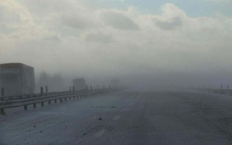 مه گرفتگی در محورهای ۹ استان
