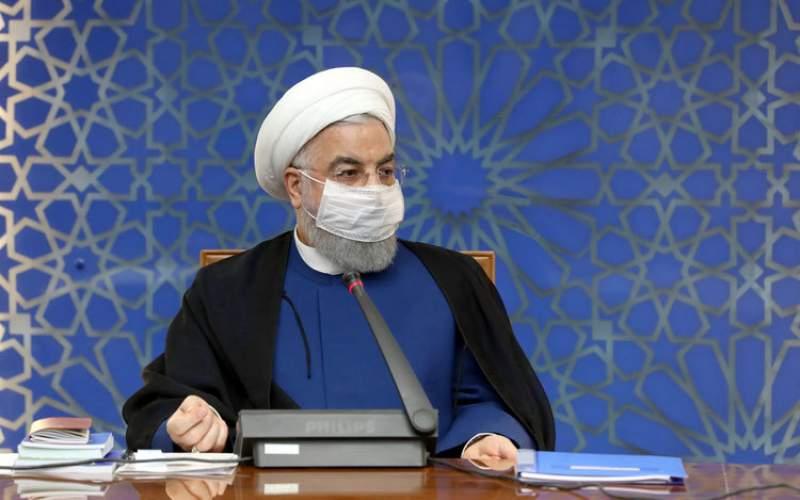 روحانی: باید برای نوکری مردم  مسابقه بگذارند