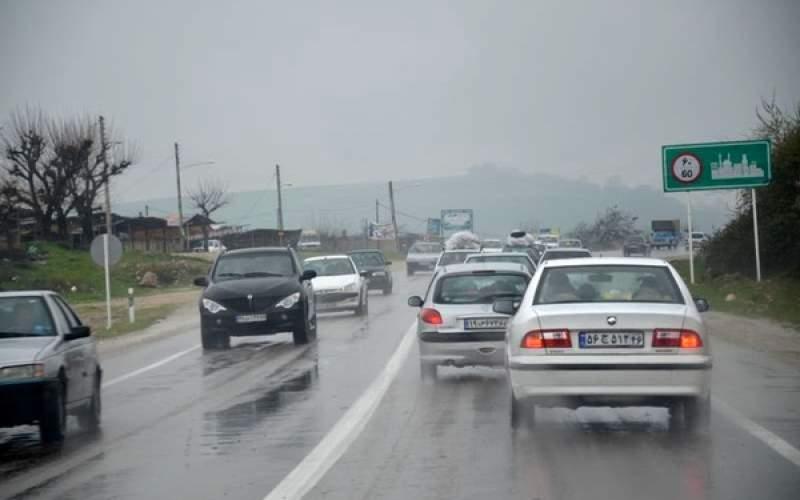 بارش باران در محورهای مازندران و گیلان