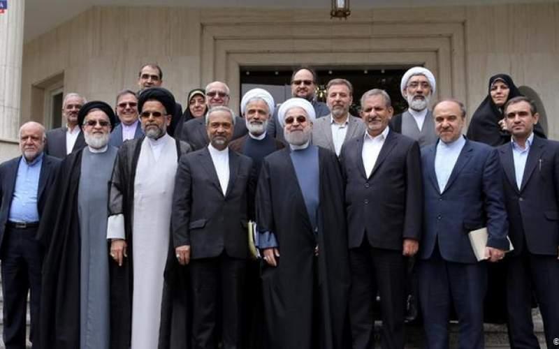 خطر سقوط، دولت روحانی را  تهدید میکند