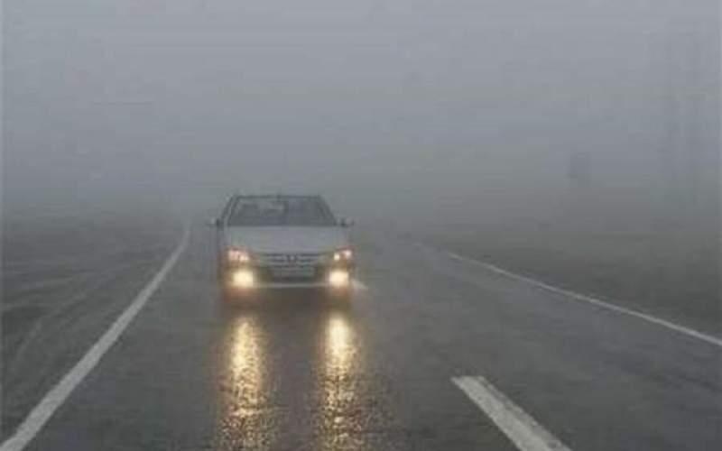 بارش باران در محور های سه استان