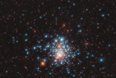 اجتماع ستارههای قرمز و آبی در یک قاب/عکس
