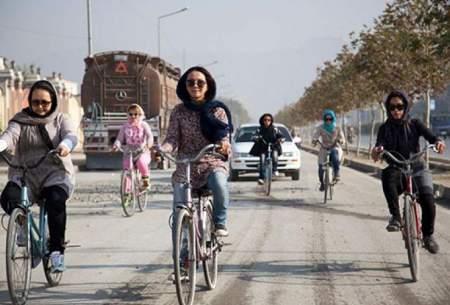 رکابزنیِ زنان ایرانی با چاشنی فحش و لگد