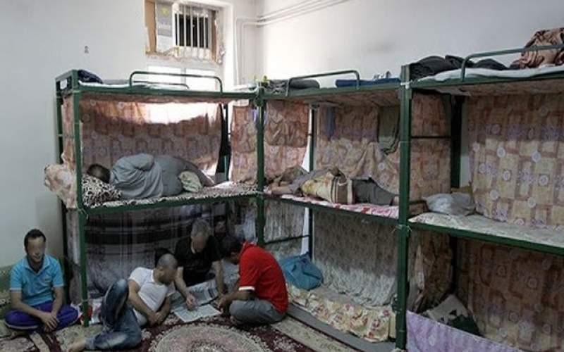 زندانیان کفخوابی که پول برای اجاره تخت ندارند