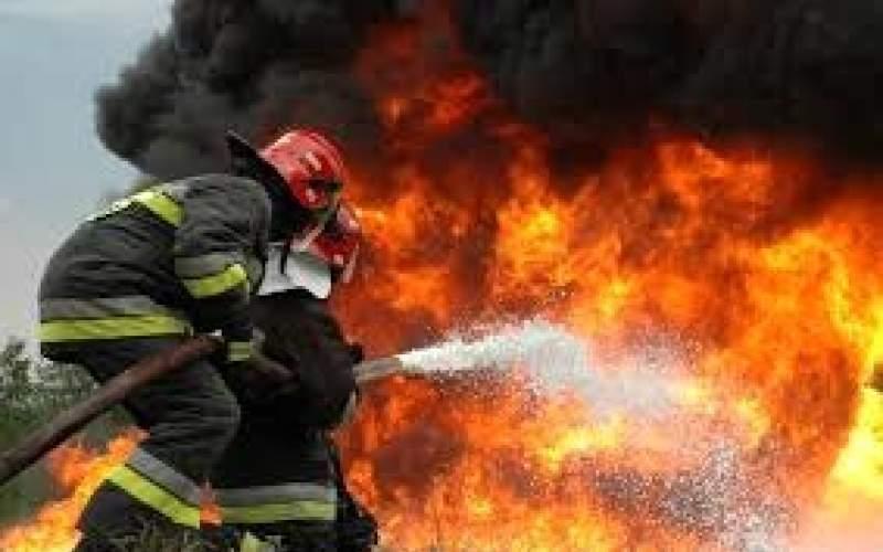 آتش سوزی بازار دیلم هنوز مهار نشده است