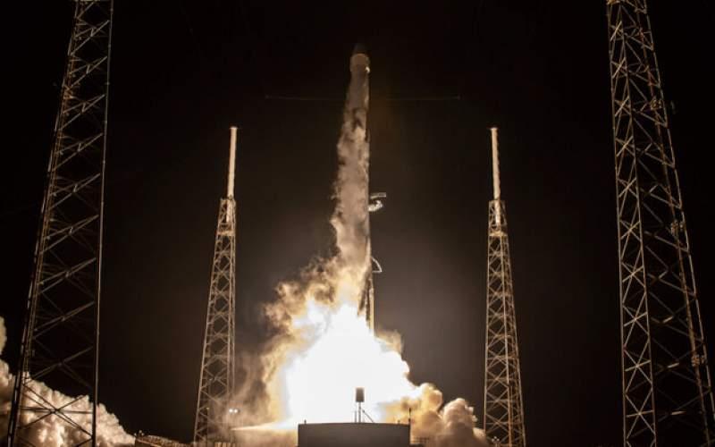 ۶۰ ماهواره با موفقیت به فضا رفتند