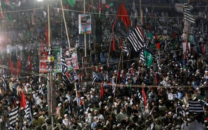 پاکستانیها خواستار برکناری عمران خان شدند