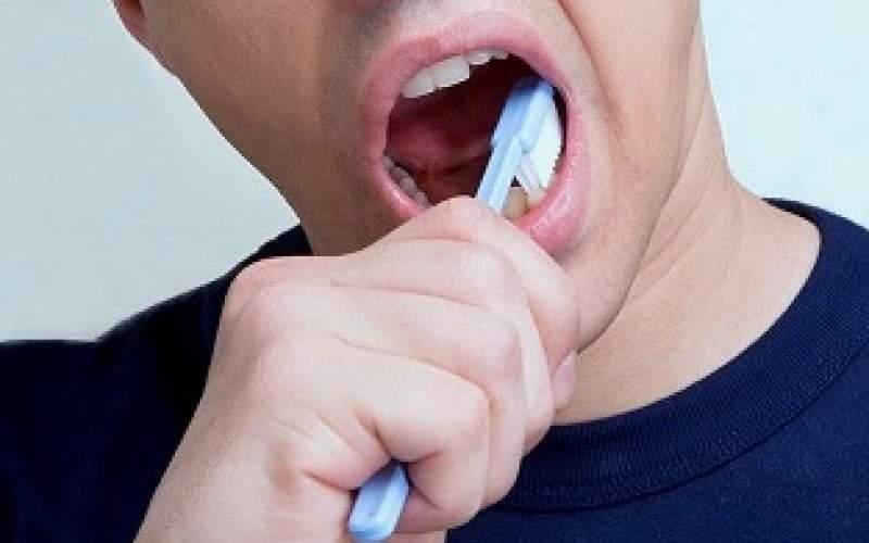 مسواک زدن به پیشگیری از کرونا کمک میکند