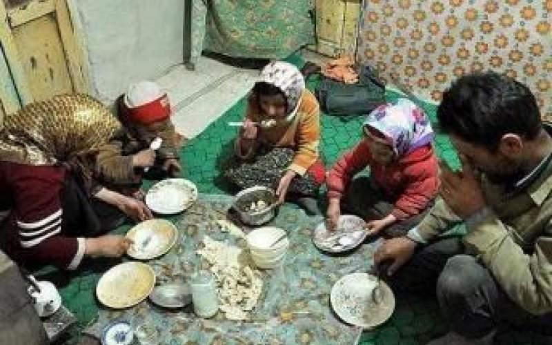 مردم نان را هم نسیه میخرند
