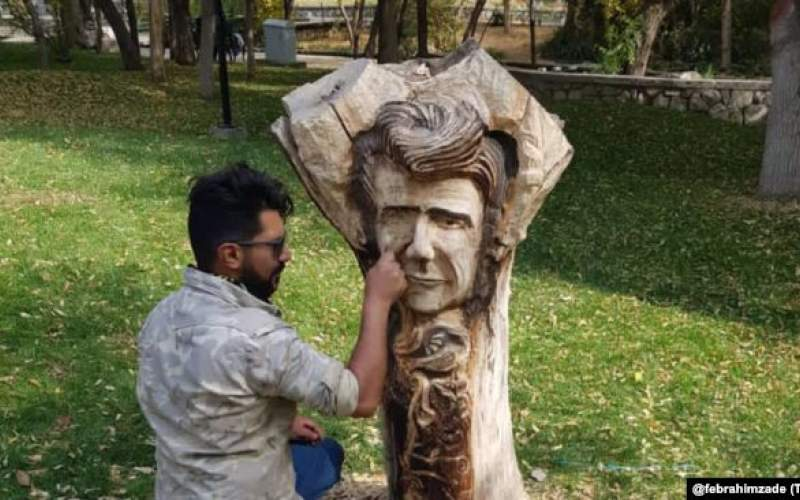 یادبود چوبی استاد شجریان در مشهد از بیخ بریده شد