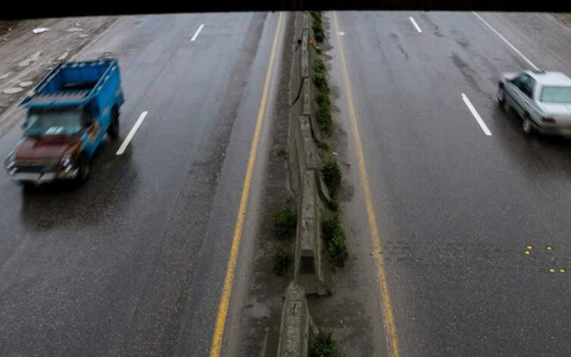 برف و باران در جادههای ۱۰ استان