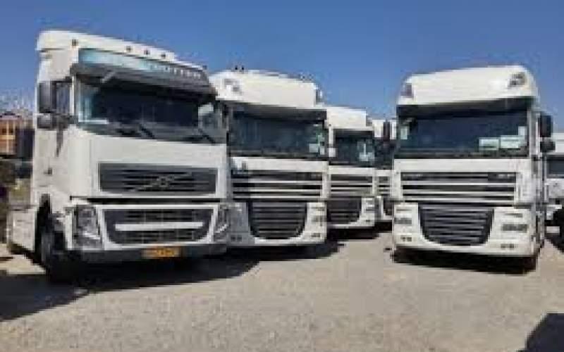 ۲۰۰۰ کامیون معطل در گمرک ترخیص شود