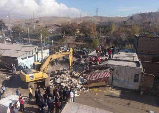 ورودکامیون به منزل مسکونی حادثه آفرید/تصاویر
