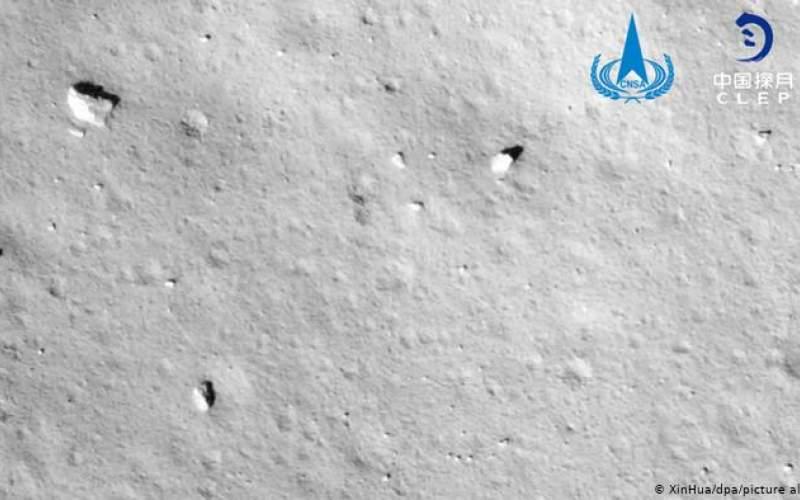 کاوشگر چینی بر سطح ماه فرود آمد