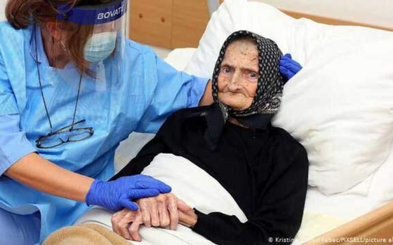 بیمار ۹۹ساله کرونا را شکست داد /عکس