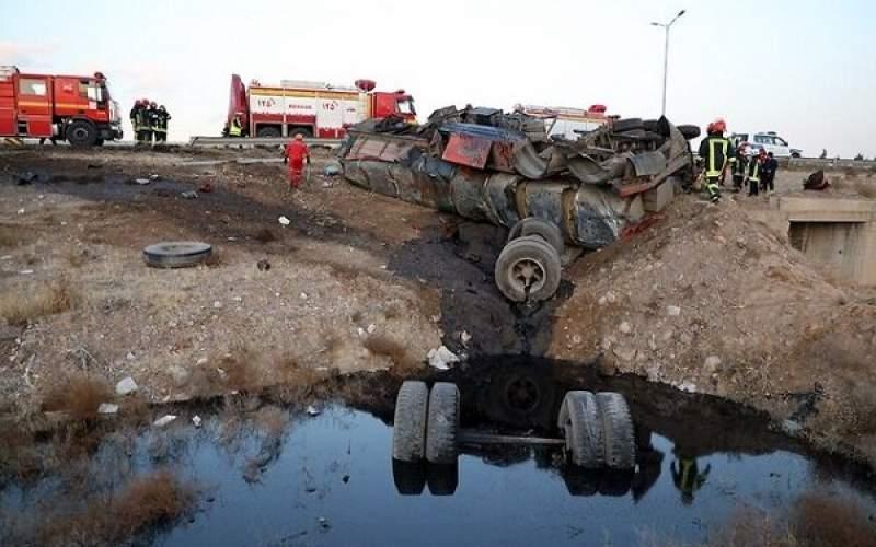 مرگ راننده در واژگونی تانکر حمل روغن سوخته