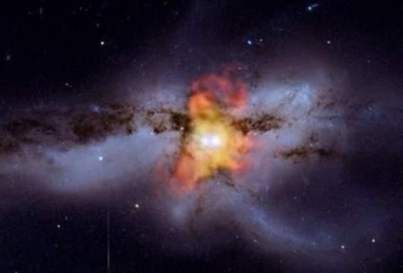 لحظه ادغام دو سیاهچاله شکار شد