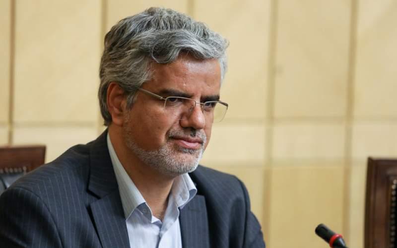 اقدامات مجلس گزک دست دشمن میدهد
