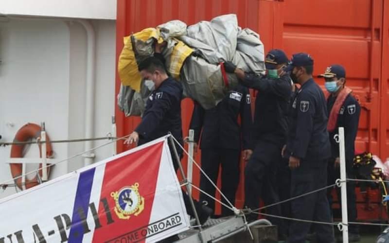 یکی ازجعبههایسیاه هواپیمایاندونزی پیدا شد