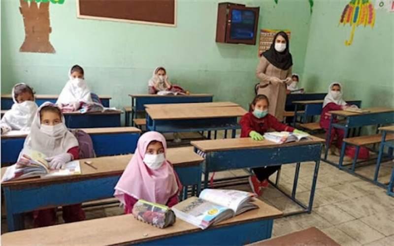بازگشایی مدارس در حال حاضر زود است