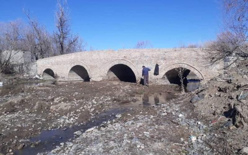 پل تاریخی «کرزان» تویسرکان مرمت میشود