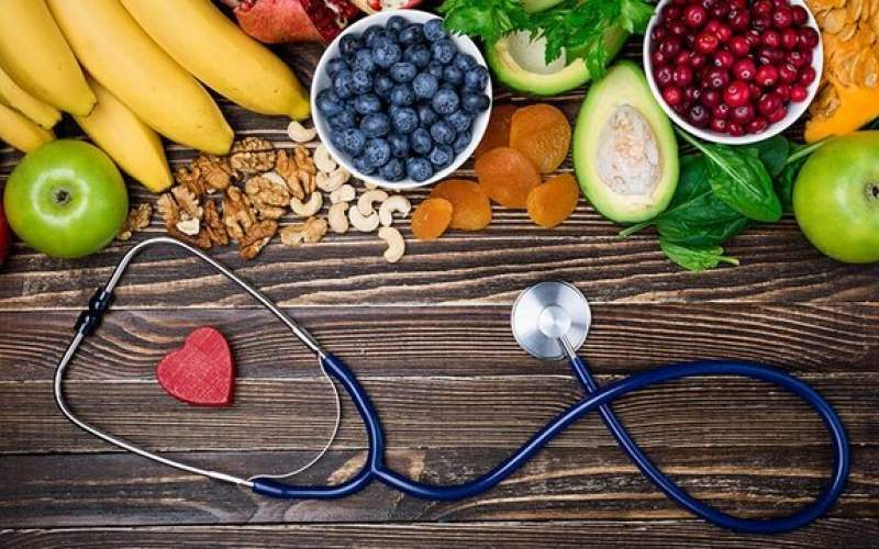 ۵ باور اشتباه درباره زمان میوه خوردن