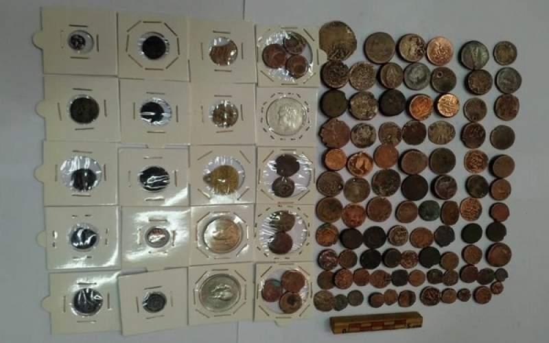 سکههای دوره اشکانی در دست ۲ قاچاقچی